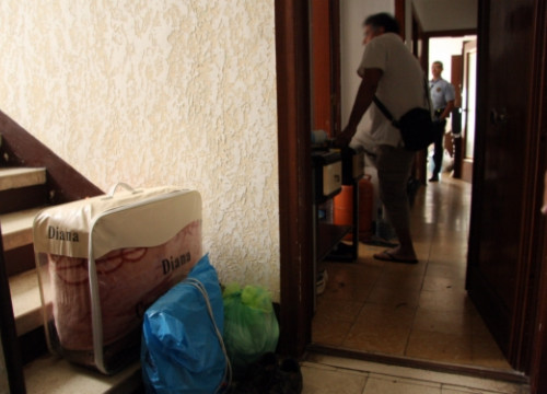 Home eviction in L'Hospitalet de Llobregat, in Greater Barcelona (by ACN)