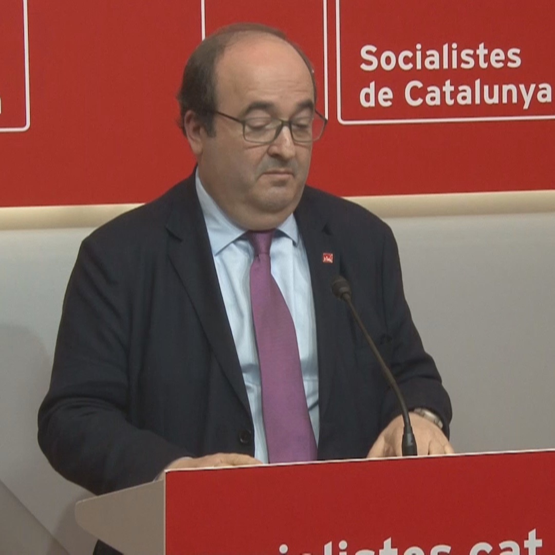 """There won't be an exchange of self-determination for budget,"" says Socialist leader"