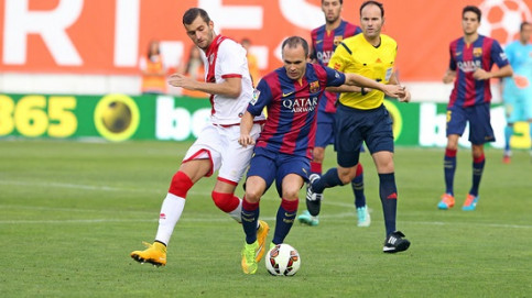 Andrés Iniesta at the Rayo vs Barça game (by FC Barcelona)