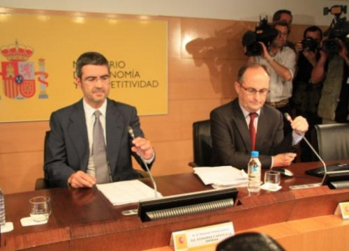 Fernando Jimenez Latorre (left) and Fernando Rostoy (right) presenting the independent audit's results (by R. Pi de Cabanyes)