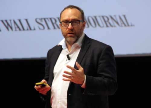 Jimmy Wales, founder of Wikipedia, at Barcelona's 2015 Mobile World Congress (by J. R. Torné)