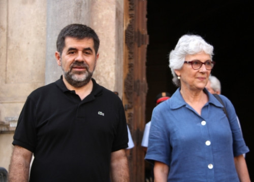 Jordi Sánchez (President of the ANC) and Muriel Casals (President of Òmnium Cultural) after this Tuesday afternoon's meeting (by R. Garrido)