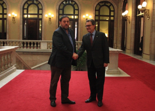 Catalan President (right) and ERC's leader (left) on Thursday at the Catalan Parliament (by B. Fuentes)