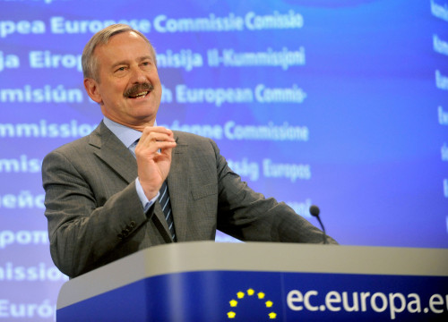 The European Commission's Vice President and Commissioner for Transport, Siim Kallas (by ACN)