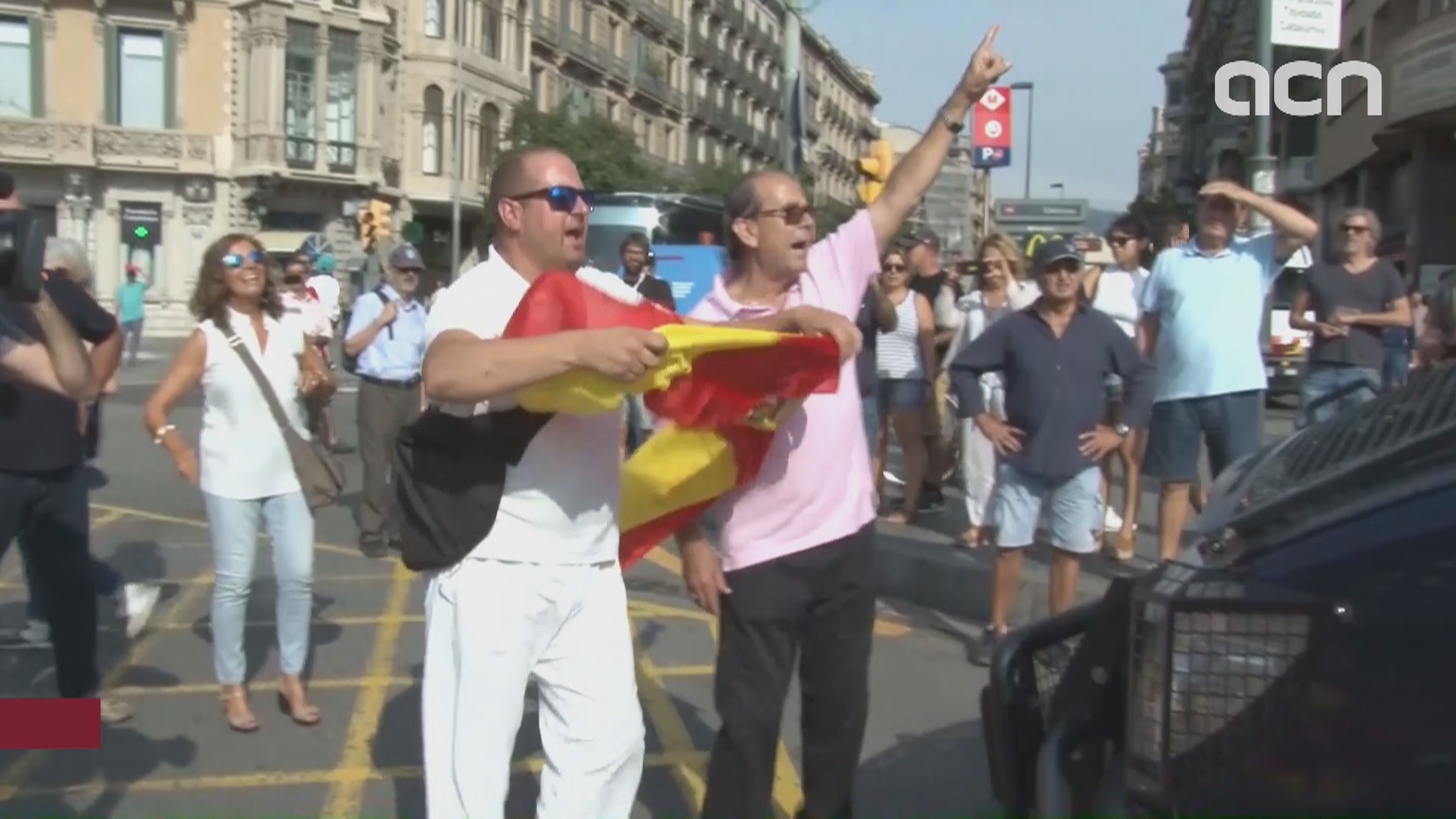 Tension between unionist and pro-independence activists