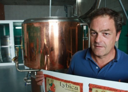 Josep Pous in his microbrewery where he produces the artisan beer Lybica (by F. Garcia)