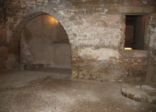 A room in the old Gothic Palace, just before the renovation (by M. Martí)