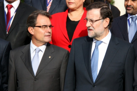 The Catalan President (left) and the Spanish PM (right) at Barcelona's Euro-Mediterranean Business Forum (by J. R. Torné)