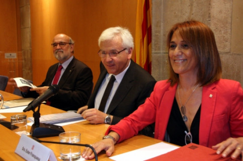 The Catalan Culture Minister, Ferran Mascarell (centre), presenting the study (by P. Francesch)