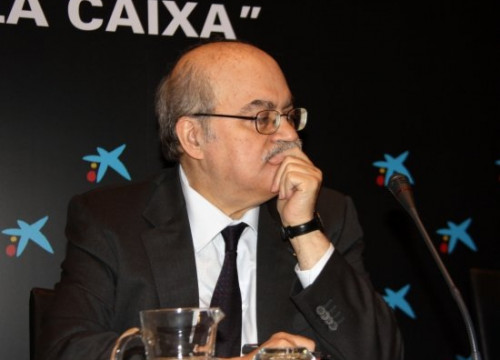 Andreu Mas-Colell at the ceremony to award the grants by La Caixa's social work (by M. Belmez)