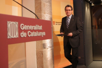 The Catalan President, Artur Mas, before starting this Tuesday's press conference and announcing the measures (by P. Mateos)