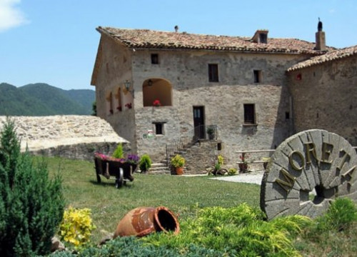 The rural bed and breakfast Mas Moreta, in the Ripollès County, on the Pyrenees (by Mas Moreta)