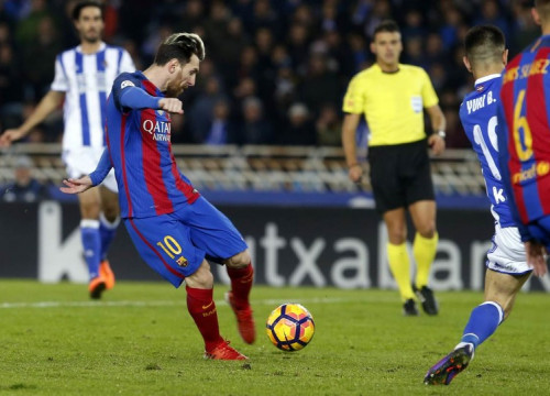 Leo Messi fired in the equaliser at Anoeta on the hour mark (by FCB)