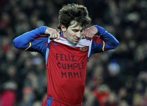 Messi wished her mother a happy birthday when he celebrated his goal (by FC Barcelona)