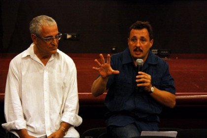 Sergio Caballero (speaking) and Lluís Miñarro at Finisterrae's presentation (by P. Cortina)