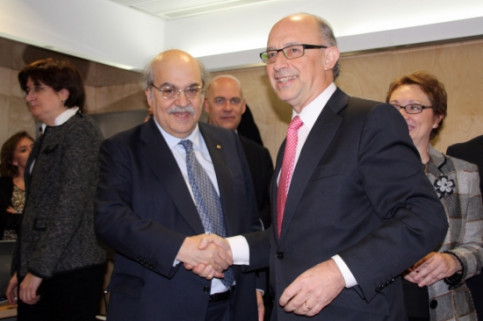 Andreu Mas-Colell (left) and Cristóbal Montoro (right) at the last Fiscal and Financial Policy Council (by R. Pi de Cabanyes)