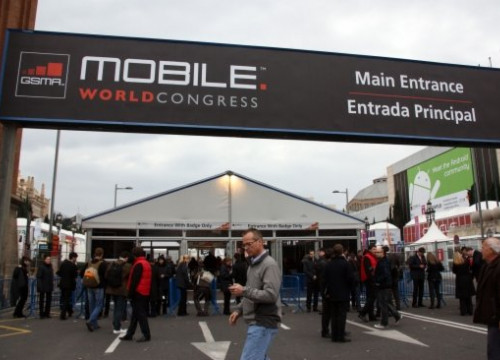 The Mobile World Congress entrance, at Barcelona's Espanya Square (by P. Mateu)