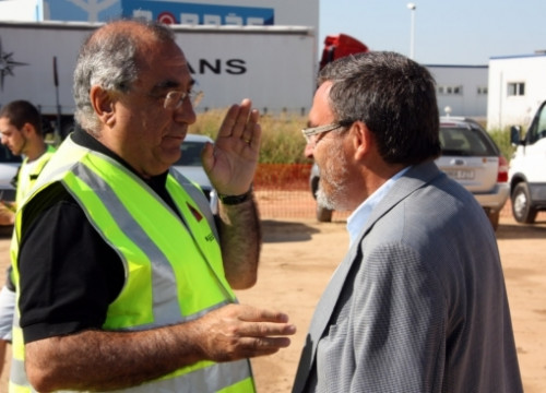 The Catalan Minister for Public Works, Joaquim Nadal (left), talking with Lleida's Mayor, Angel Ros (right)