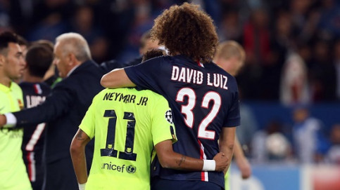 Neymar Jr and David Luiz, both playing in Brazil's national team (by FC Barcelona)