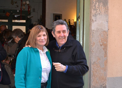 Alicia Giménez Bartlett and Paco Camarasa before starting the book premiere at the Negra y Criminal bookshop (by M. Force)