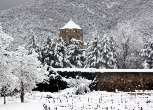 Poblet Monastery covered by snow (by R. Segura)