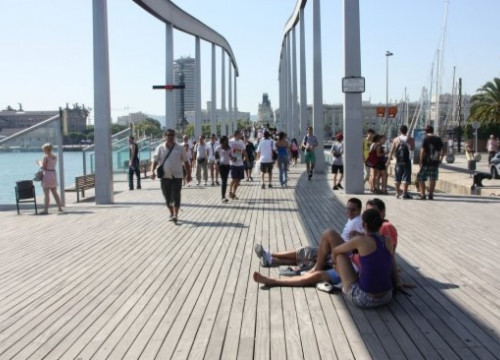 The Rambla de Mar in Barcelona's port, a tourist attraction of the Catalan capital (by ACN)
