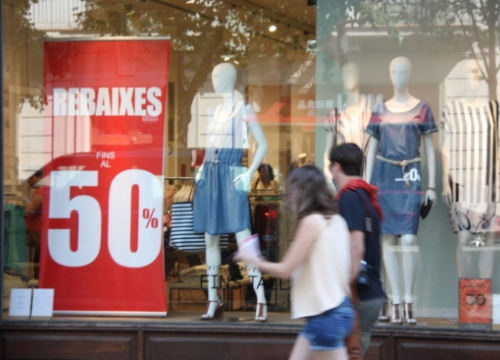 Summer sales in Barcelona (by S. Shams Azad)