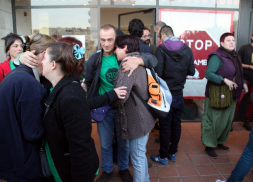 People hugging after receiving the news from Strasbourg (by ACN)