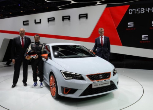 The presentation of the Seat Leon Cupra in Geneva (by Seat)