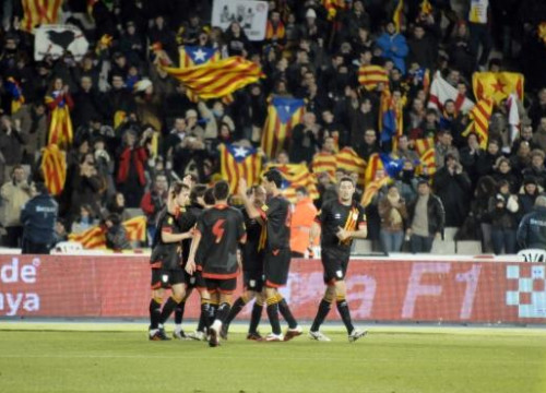 The Catalan football selection in one of its latest games (by D. Alonso)