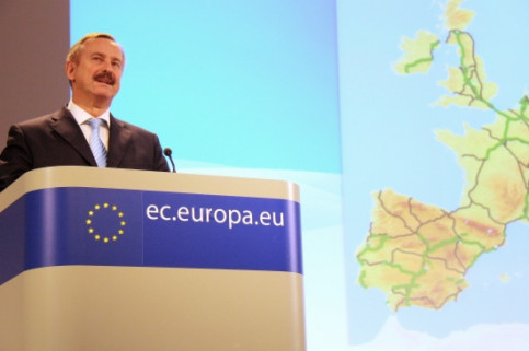 European Commissioner for Transport Siim Kallas announcing the new EU transport core networks (by L. Pous)
