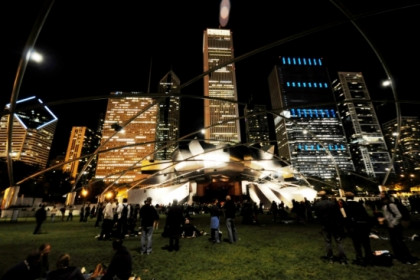 Image of the Jay Pritzker Pavillion in Chicago's Millenium Park during the first night of the Sónar Festival (by Sónar Chicago)