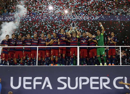 The Catalan team celebrates the European Super Cup title (by FC Barcelona)