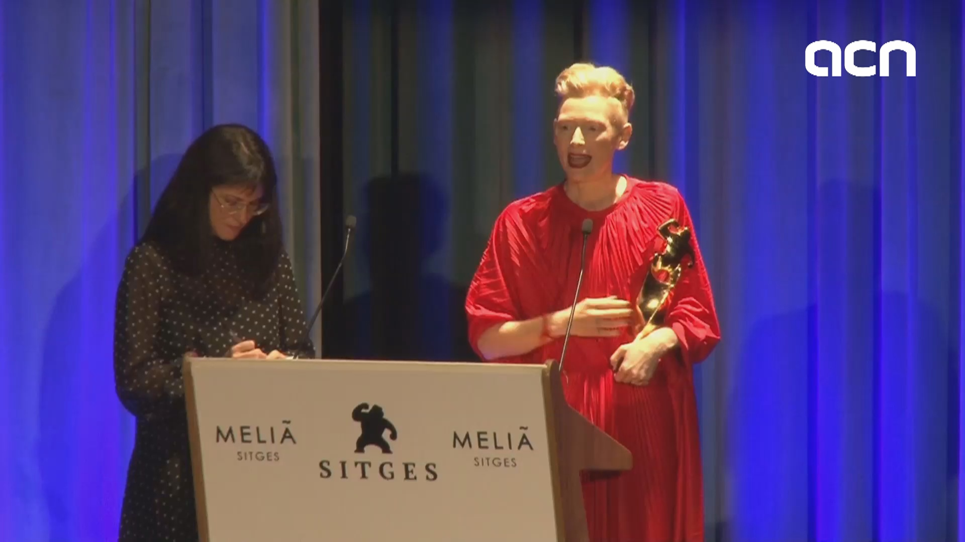 Tilda Swinton delivers an emotional acceptance speech for her Grand Honorary Award