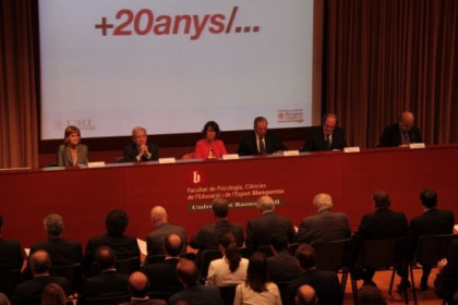 The Universitat celebrated its 20th anniversary offering special awards (by E. Rosanas)