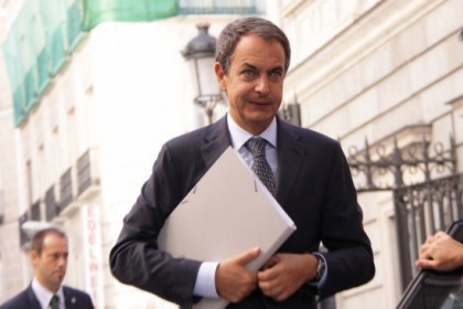 PM Zapatero arriving last Tuesday at the Spanish Parliament (by La Moncloa)