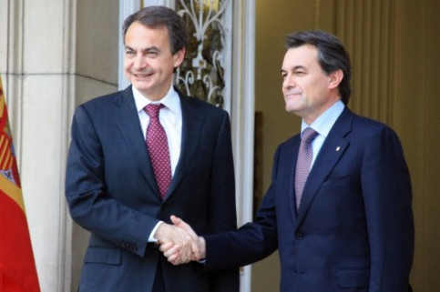PM Zapatero (left) and Catalan President Mas (right) met today in Madrid (by R. Pi)