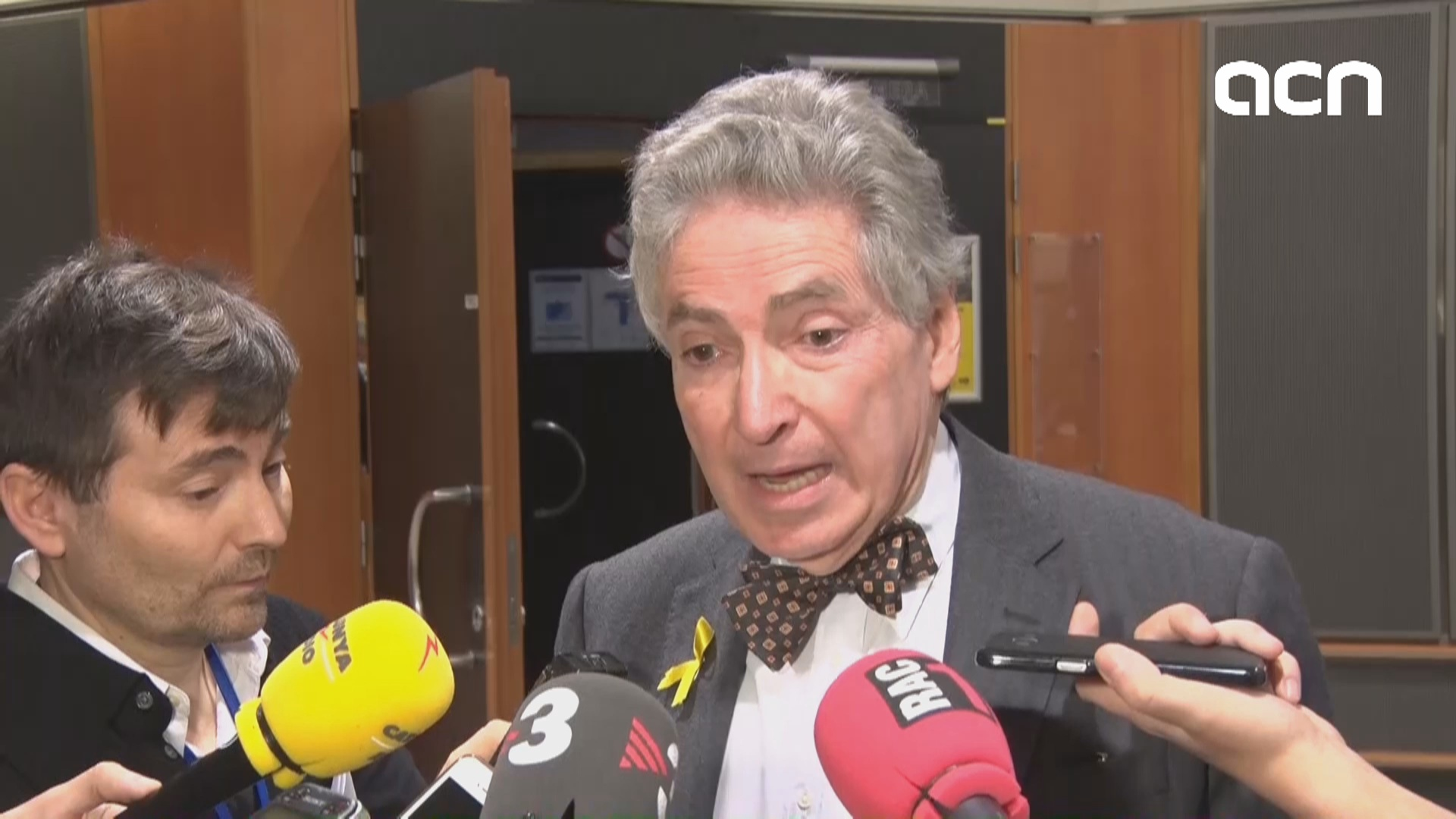 "De Zayas states that he is ""worried that there are political prisoners in Spain"""
