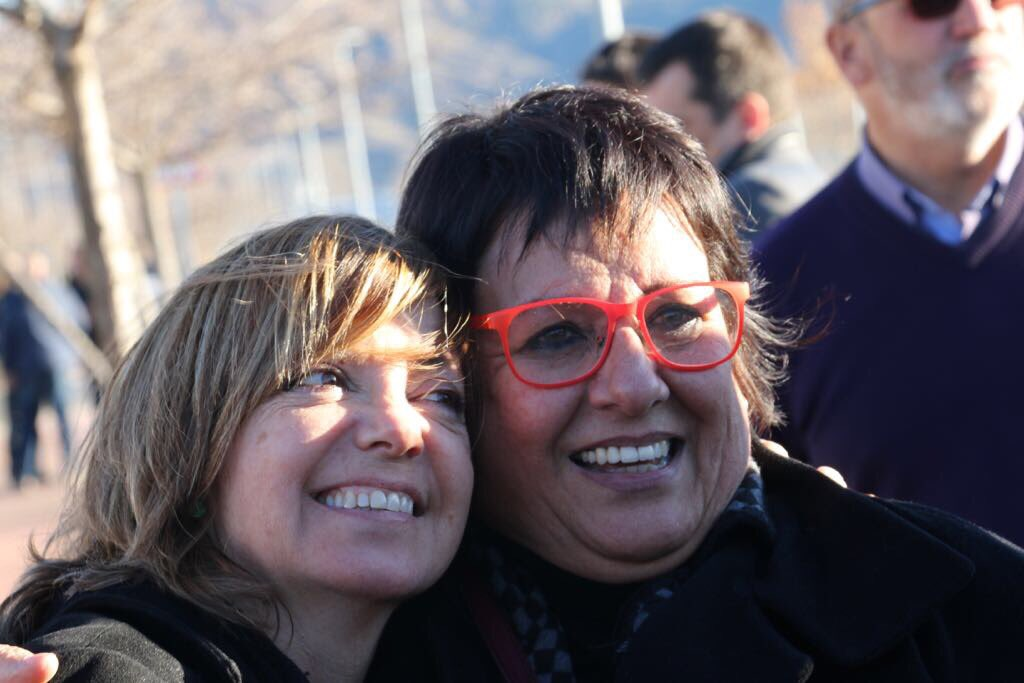 Catalan ministers Dolors Bassa and Meritxell Borràs in a picture after leaving prison (by ERC)