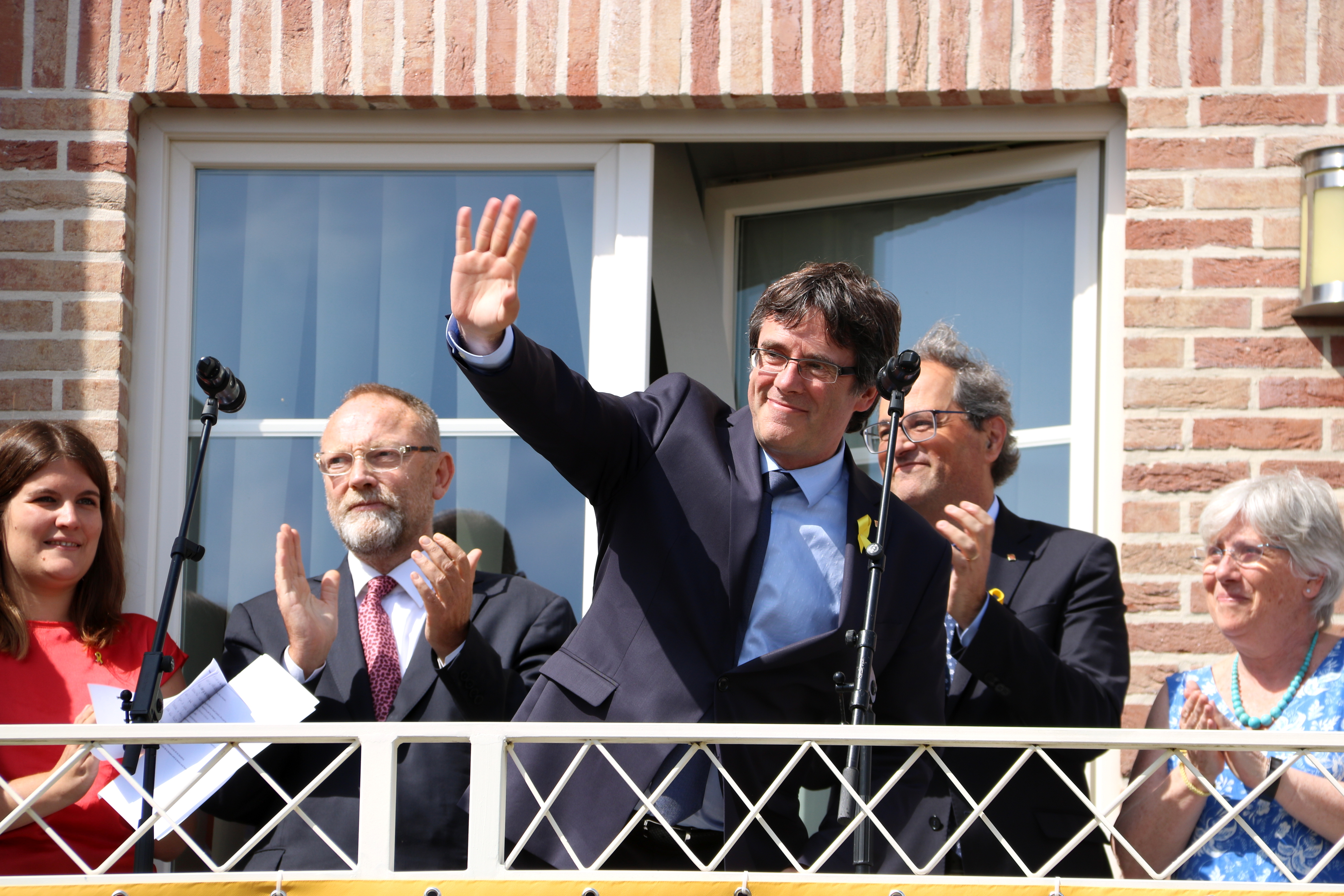 Carles Puigdemont arrives in Waterloo after Germany rejected extraditing him to Spain (by Laura Pous)